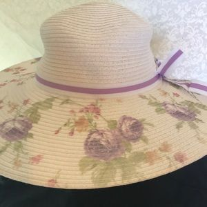 Accessories - Summer hat with adjustable band